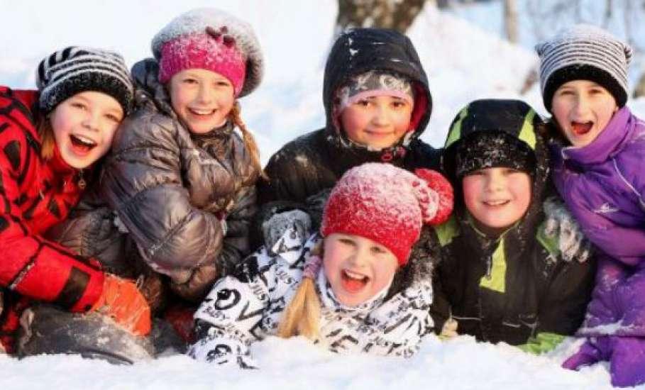 Стало известно, будут ли продлевать зимние каникулы в школах Саратова и области